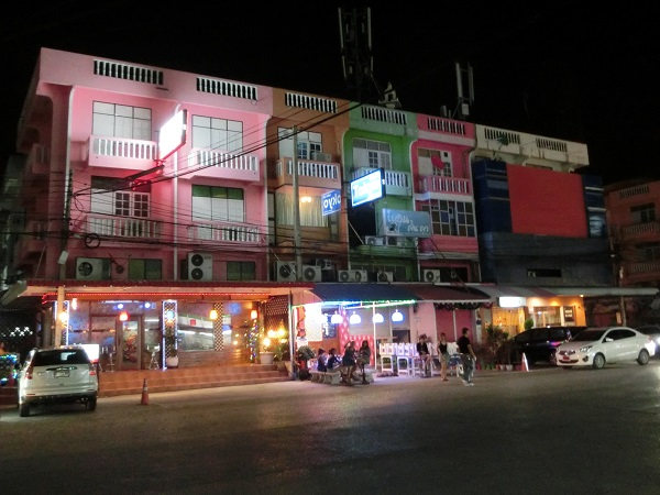 夜のアユタヤのカラオケ店 ayutthaya-japanese karaoke bars around Ayutthaya Grand Hotel