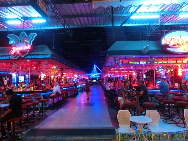 Pattaya BarBeer simon walking street